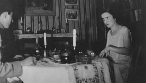 1925 -Diner couple Brossolette