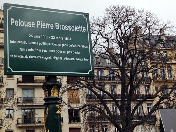 Plaque sur lavenue FOCH pour Pierre Brossolette