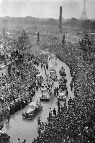 De gaulle champs elyses 1944